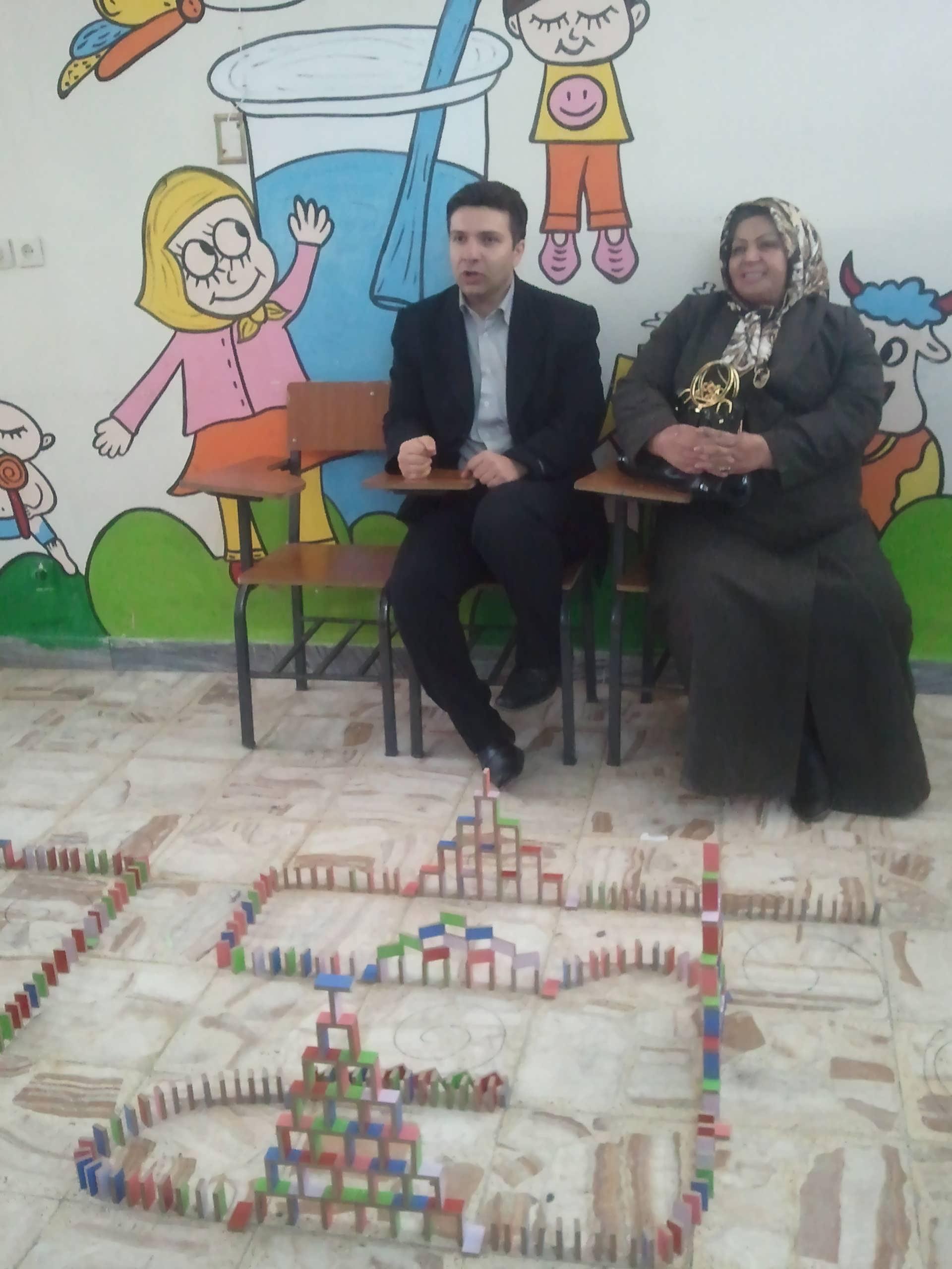 http://www.n-javan.com/aks/tahereh-javan/jpg2013-01-02%2014.10.12.jpg